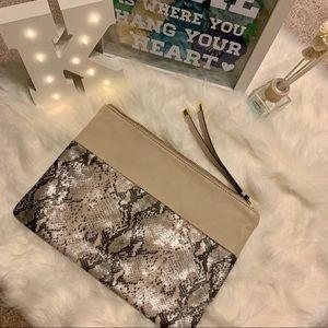 Handbags - Wristlet Purse Faux Leather Zip Pouch